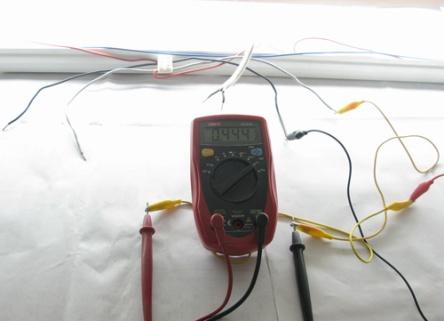 ค่ากระแสไฟฟ้าของหลอดฟูลออเรสเซนต์ วัดได้0.44A